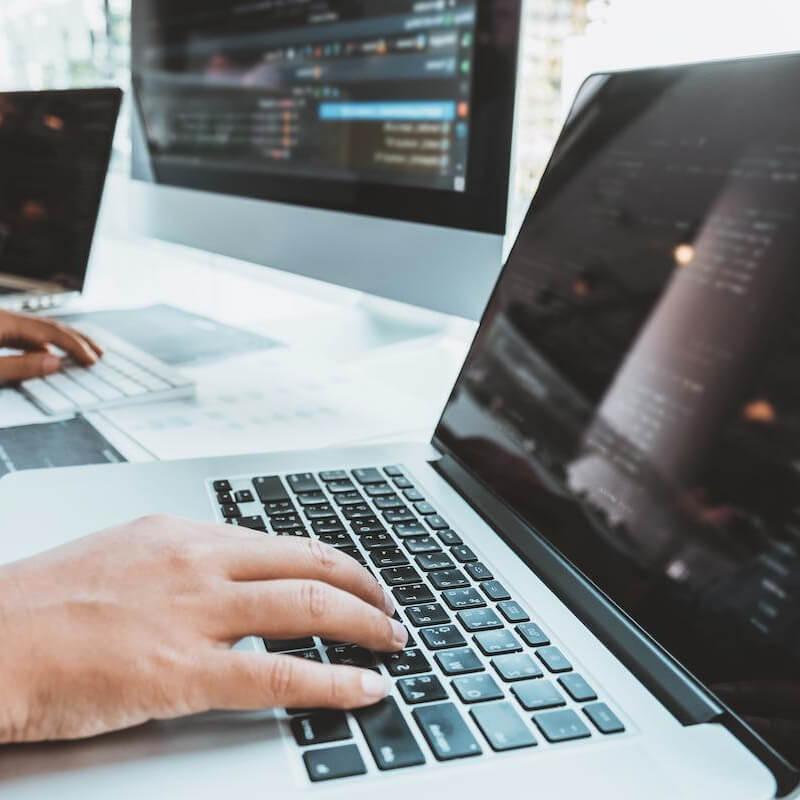 Interneto svetainių kūrimas: viskas, ką reikia žinoti verslui